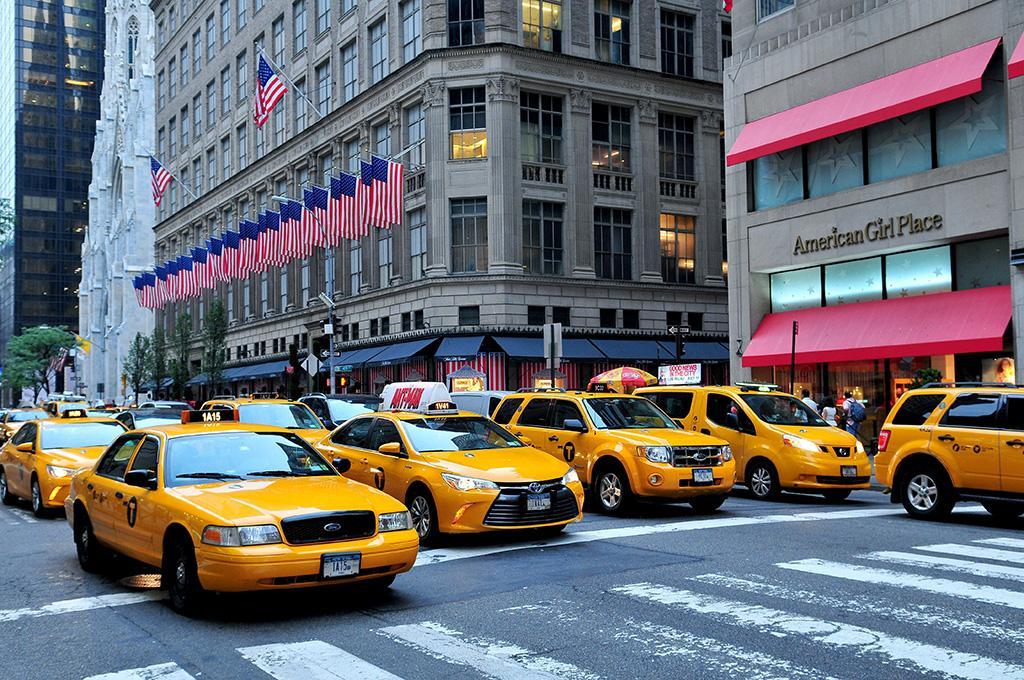 都市中的計程車